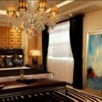 żyrandole-klasyczne-w-salonie-zdjęcia-i-aranżacja